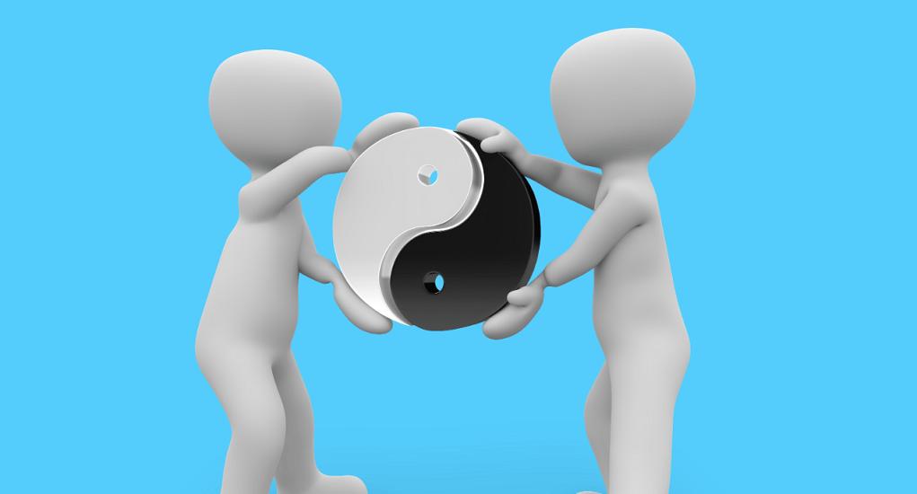 Perbedaan Mendetail Antara Introvert dengan Ekstrovert
